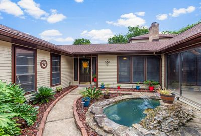 513 Point Clear Drive Friendswood TX 77546