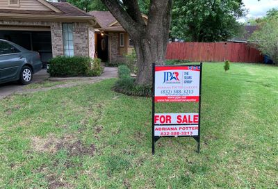 1035 Maclesby Ln Channelview TX 77530