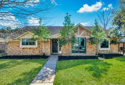 5815 Hummingbird Street Houston TX 77096