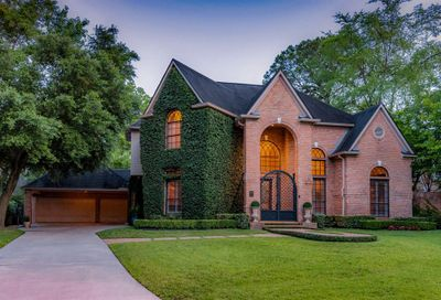 15 Wood Cove Drive The Woodlands TX 77381