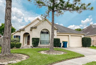 3811 Blossom Ct Court Pearland TX 77584
