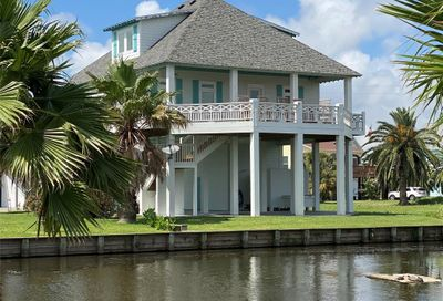 2570 Tide Drive Crystal Beach TX 77650