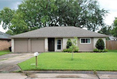 411 Stratmore Drive Friendswood TX 77546