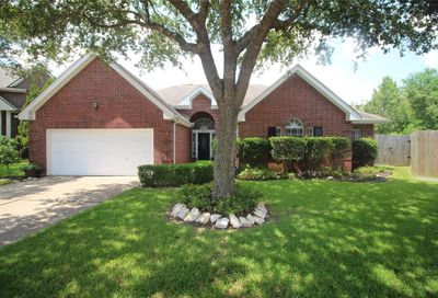 1605 Oak Trace Court Pearland TX 77581