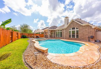 2919 Silhouette Bay Drive Pearland TX 77584