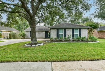 2318 Colleen Drive Pearland TX 77581