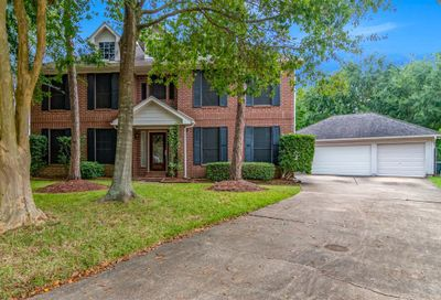 901 Chesterwood Drive Pearland TX 77581