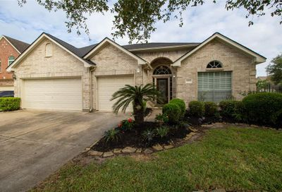 502 Silver Leaf Court Pearland TX 77584