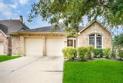 2802 Highland Lake Court Pearland TX 77584