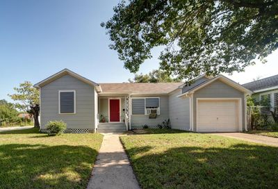 5001 Avenue P 1/2 Galveston TX 77551