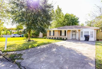 3223 Knotty Oaks Trail Houston TX 77045