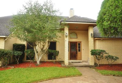 2309 Golfcrest Drive Pearland TX 77581