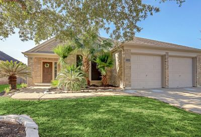 2110 Crestwind Court Pearland TX 77584