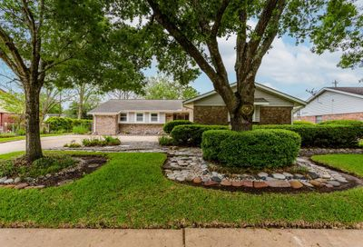 2104 Willow Boulevard Pearland TX 77581