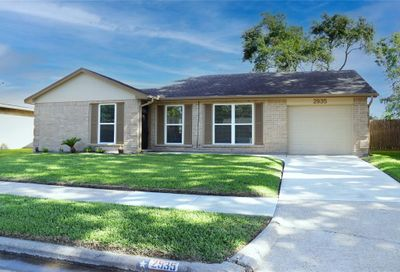 2935 Helmsley Drive Pearland TX 77584