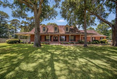 407 County Road 2224 Cleveland TX 77327