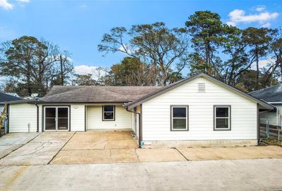 15605 Woodforest Boulevard Channelview TX 77530