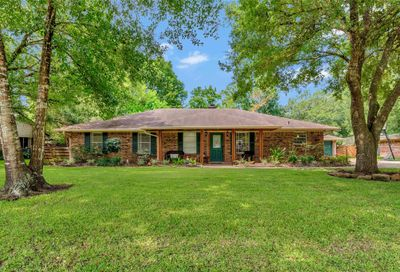 2006 Shadybend Drive Pearland TX 77581