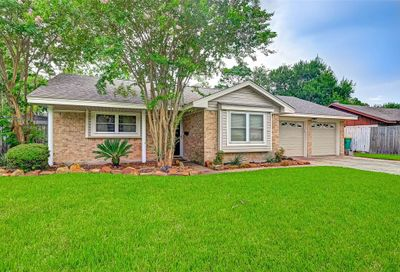2314 Willow Boulevard Pearland TX 77581