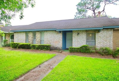 7209 Chasewood Drive Houston TX 77489
