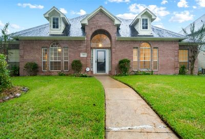 2424 Piney Woods Drive Pearland TX 77581