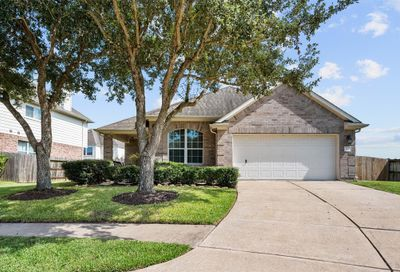 2117 Crestwind Court Pearland TX 77584