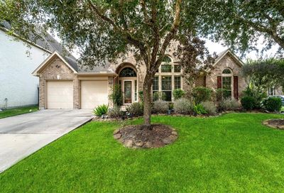 13801 Lakewater Drive Pearland TX 77584