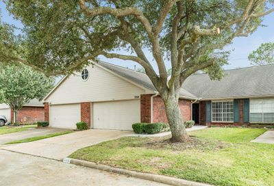 3318 S Country Meadows Lane Pearland TX 77584