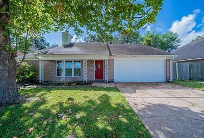 2424 Shadybend Drive Pearland TX 77581