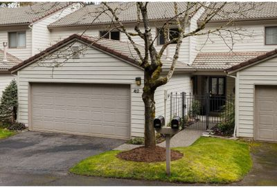 412 SW 70TH TER Portland OR 97225