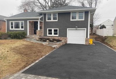 5 Bayberry Dr Plainview NY 11803