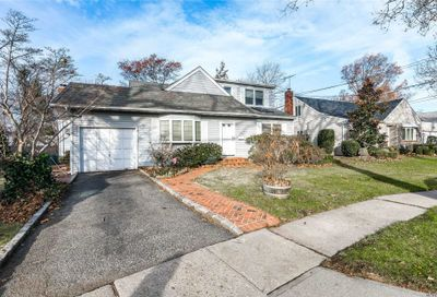 1586 Lakeview Dr Hewlett NY 11557