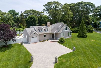 38 Woods End Rd Dix Hills NY 11746