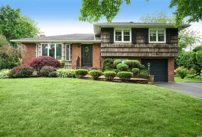 4 George Ct Melville NY 11747