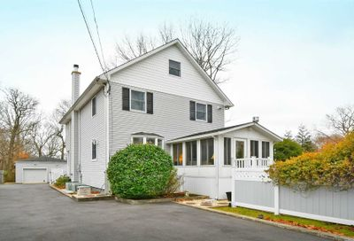 12 River Heights Dr Smithtown NY 11787
