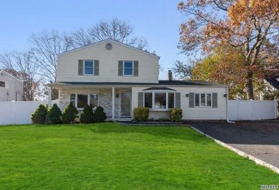 8 Belair Rd Selden NY 11784