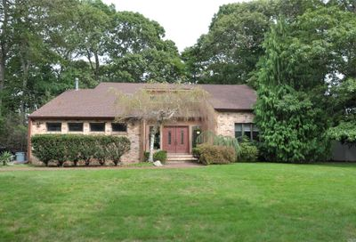 542 Richland Blvd Brightwaters NY 11718