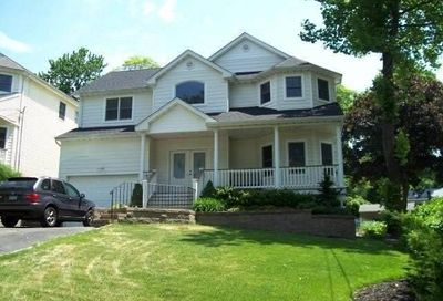 31 Westview Rd Northport NY 11768
