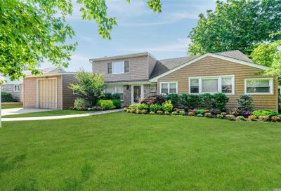 655 Ibsen St Woodmere NY 11598
