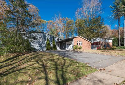 12 Sagamore Rd East Norwich NY 11732