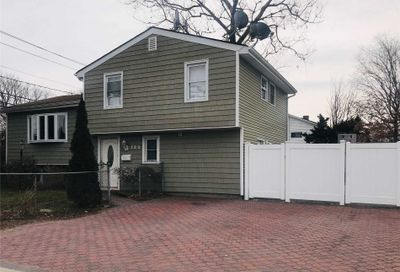 290 2nd Ave Brentwood NY 11717