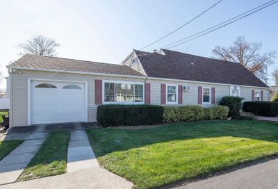 701 Bay 7th St West Islip NY 11795