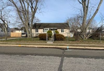 87 Yarnell St Brentwood NY 11717