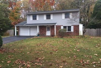 44 Butterfield Dr Greenlawn NY 11740