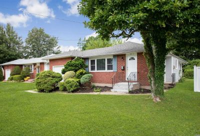 27 Russell Ave Bethpage NY 11714