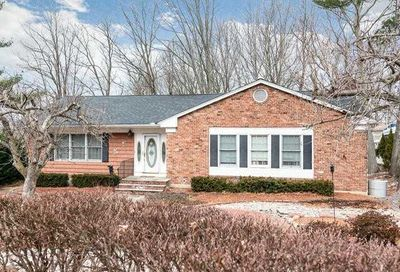 3 Halyard Ct Cold Spring Hrbr NY 11724