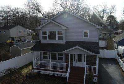 46 Oak St Lake Grove NY 11755