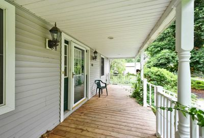 33 Oelsner Northport NY 11768