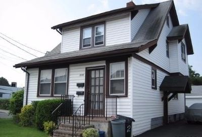 2848 Woods Ave Oceanside NY 11572