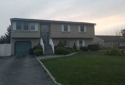 12 Blueberry Ln E. Patchogue NY 11772